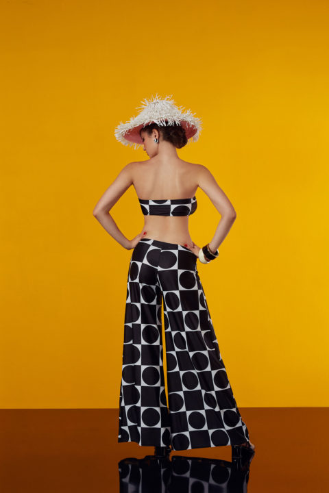culottes and top curves - antmarkant