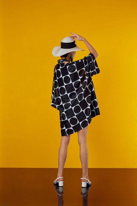 kimono in black and white design - antmarkant