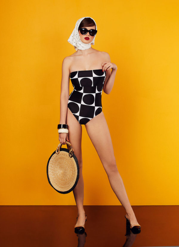 square swimsuit in black and white design - antmarkant